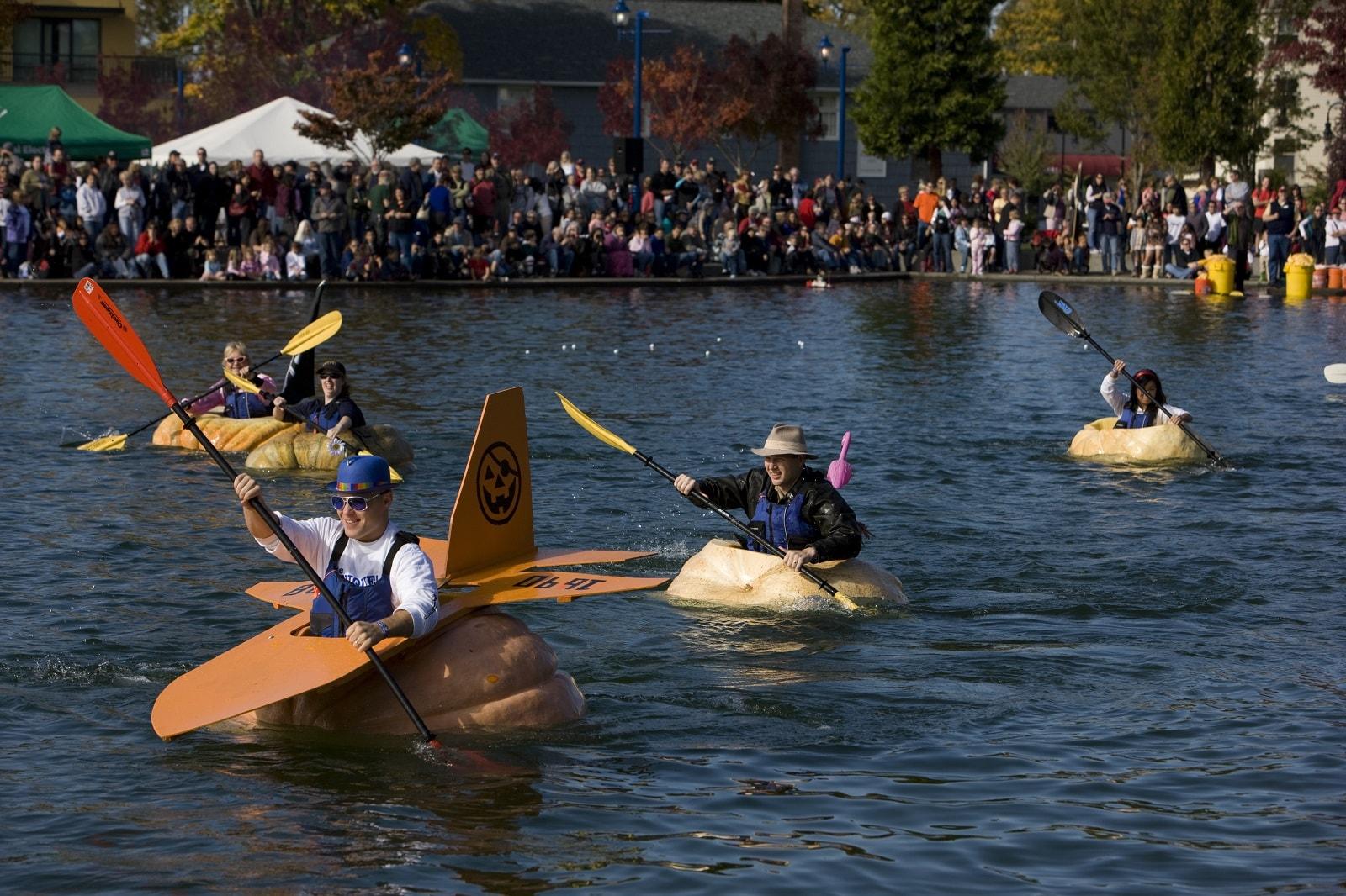 pumpkin-kayaking