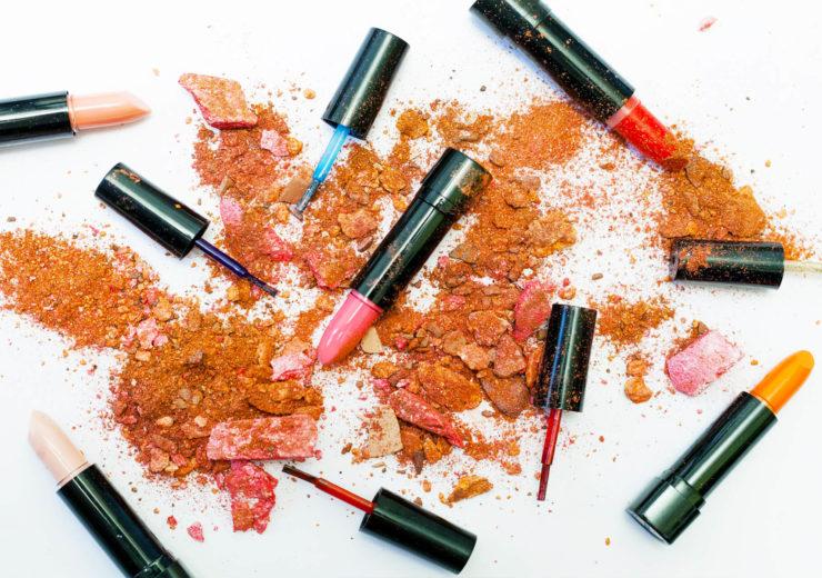 lipstick cover pic