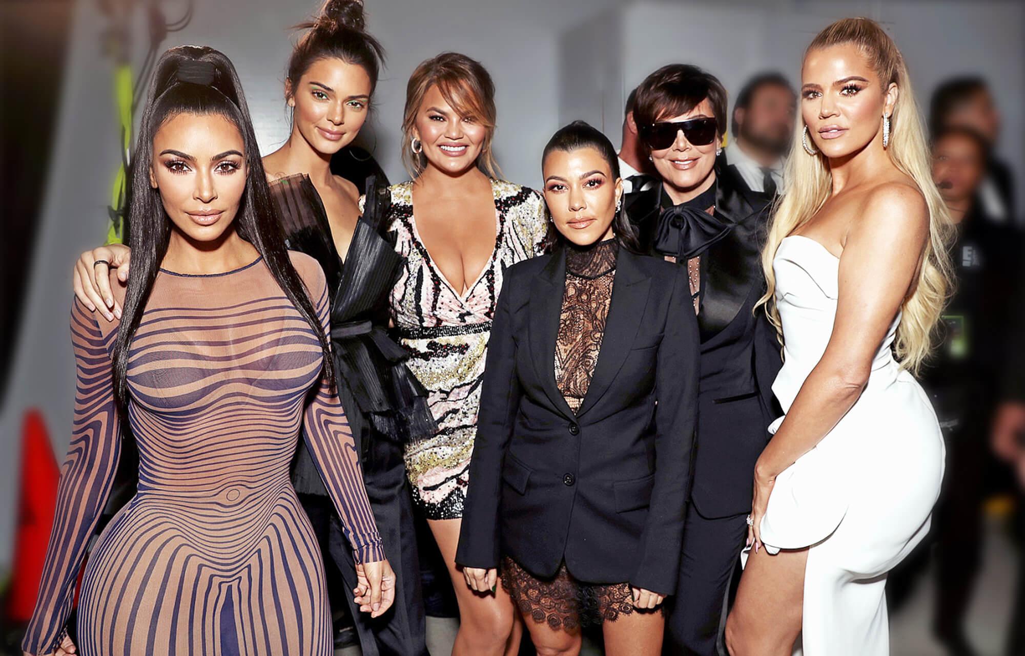 Kim-Kardashian-Kendall-Jenner-Chrissy-Teigen-Kourtney-Kardashian-Kris-Jenner-and-Khloe-Kardashian